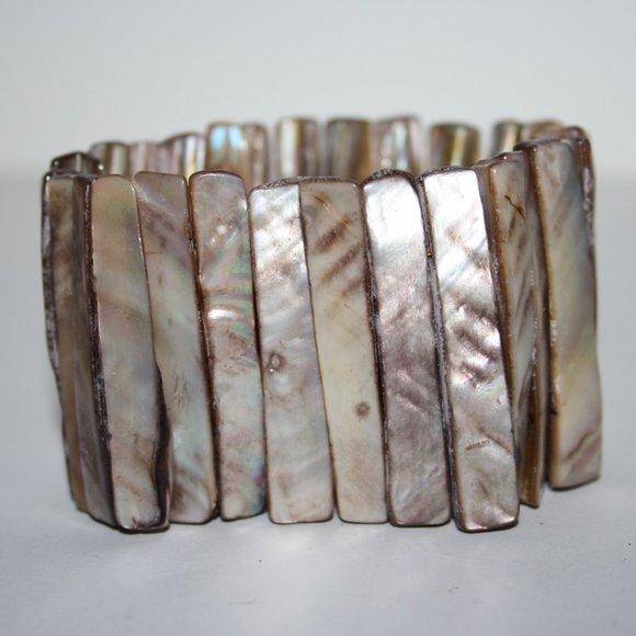 "Beautiful natural shell bracelet 7"""